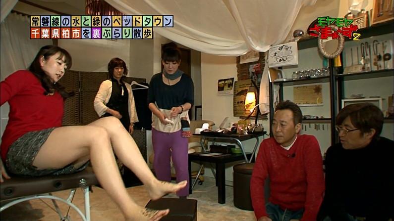 【放送事故画像】この脚見てたらオナニーしたくなっても仕方のないタレント達のエロい太もも! 19
