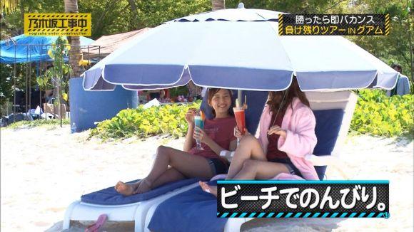 【放送事故画像】この脚見てたらオナニーしたくなっても仕方のないタレント達のエロい太もも! 23