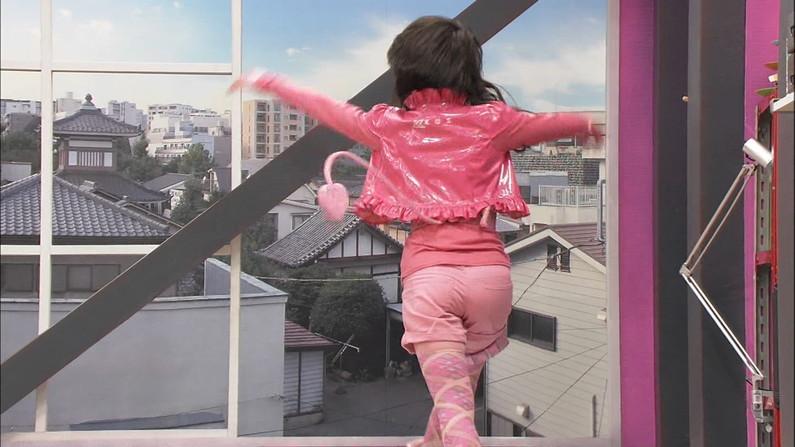 【放送事故画像】絶対尻こきしてほくなるようなピチピチなアイドルのお尻ww 03