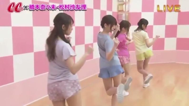 【放送事故画像】絶対尻こきしてほくなるようなピチピチなアイドルのお尻ww 06