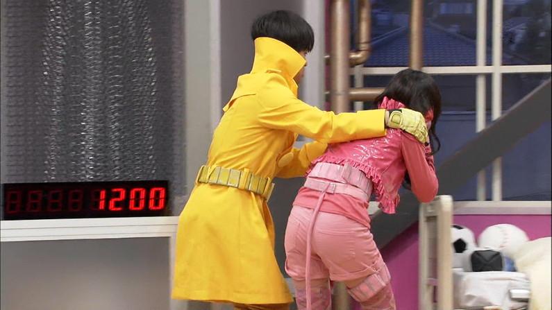 【放送事故画像】エロいお尻が盛りだくさん!女子アナからアイドルまでバックアングルがエロすぎるww 07