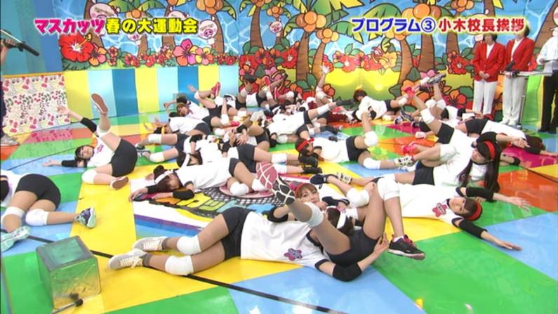 【放送事故画像】テレビで安易にお股広げるもんだからその股間アップで撮ったったww 10