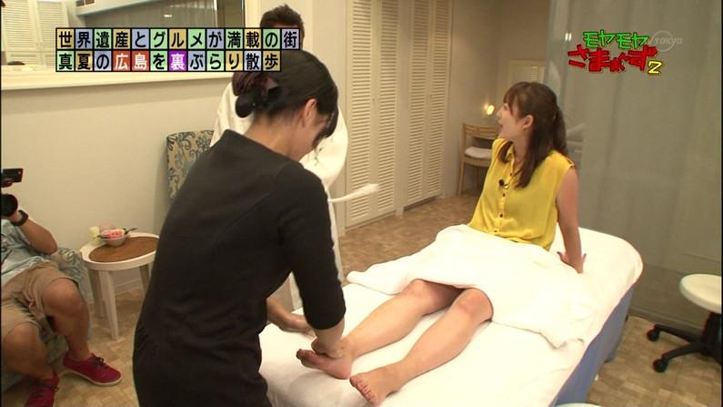 【テレビキャプ画像】普段ほぼほぼ見る事の無い女性タレントの足の裏に興奮してしまったww 09