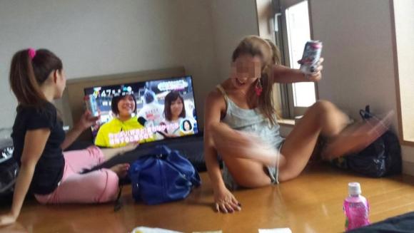 【素人エロ画像】おふざけが過ぎたバカな素人女達が恥ずかしい写メうPするぞwww 06