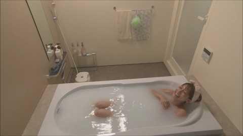 【入浴キャプ画像】温泉レポとかっていつもオッパイギリギリのところまで露出してないか? 04