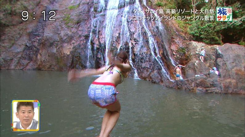 【お尻キャプ画像】テレビでハミケツし過ぎな水着着る女ってもはや隠す気とかないんだろうなww 11