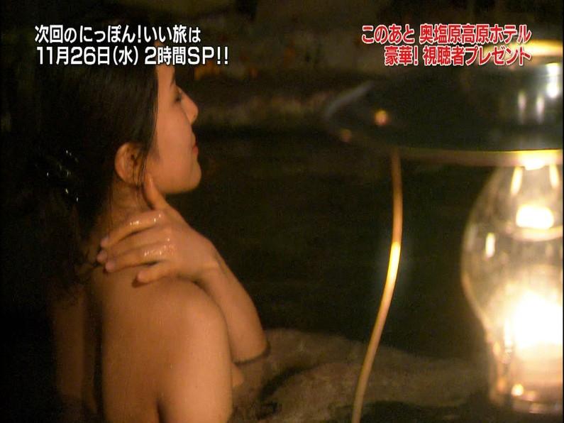 【放送事故画像】温泉レポート中に「見えた!」の連発w映ってしまった女子アナやタレント達w 08