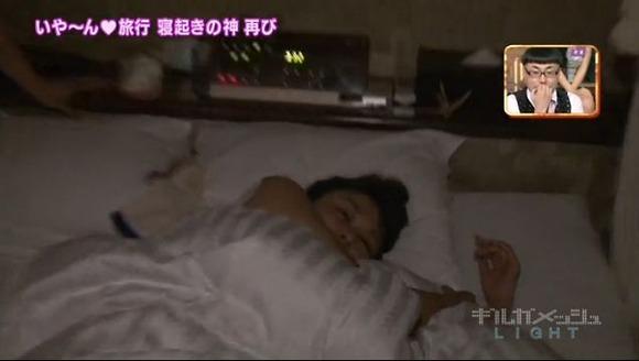 【寝顔キャプ画像】マジで襲いたくなるような可愛い寝顔のアイドル達!! 06