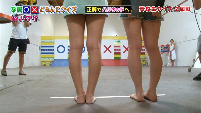 【美脚キャプ画像】スラット綺麗な美脚からの太ももの付け根あたりまで露出するタレントを視姦するw 08