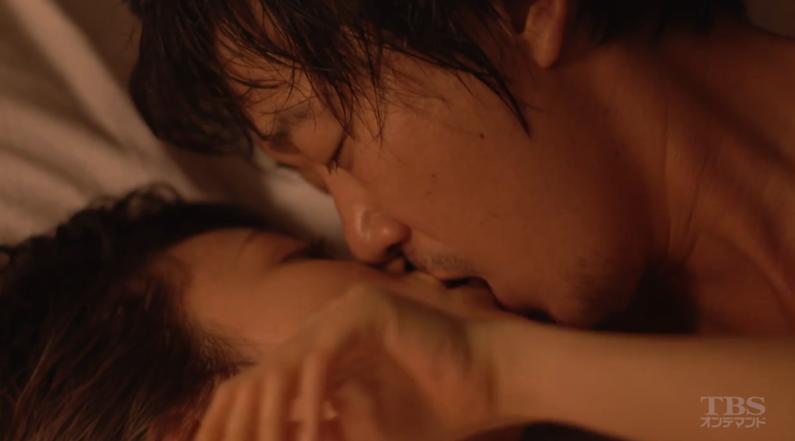 【濡れ場キャプ画像】今度はあの前田敦子がベッドシーンで逝き顔全開で喘いでたwww 04
