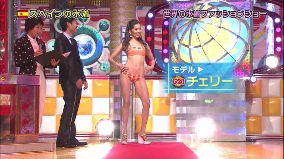 【水着キャプ画像】テレビに映った素人さんの水着オッパイもアイドル達に負けず劣らずいいオッパイだw 07
