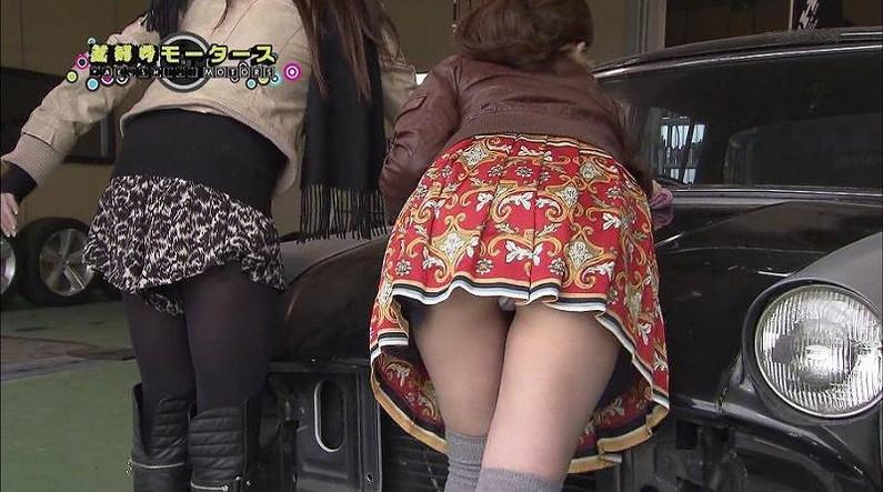 【パンチラキャプ画像】期待を裏切らない女性芸能人のパンチラの瞬間がこちらwww 13