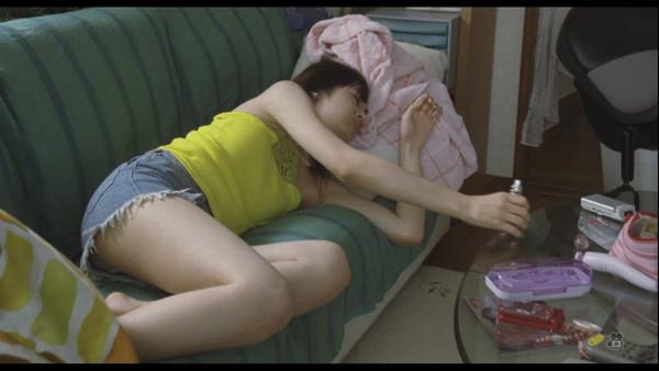 【放送事故GIF画像】F-1の生中継で美女レースクイーンのスカートが引っ掛かって美しい布がお目見えwww 14